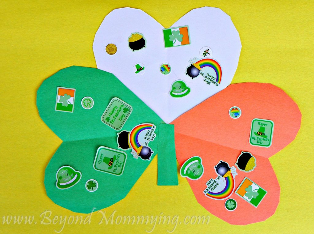 Tri-Color Shamrock Craft: the perfect simple St. Patrick's Day craft for kids to help celebrate the Irish holiday and learn about Ireland