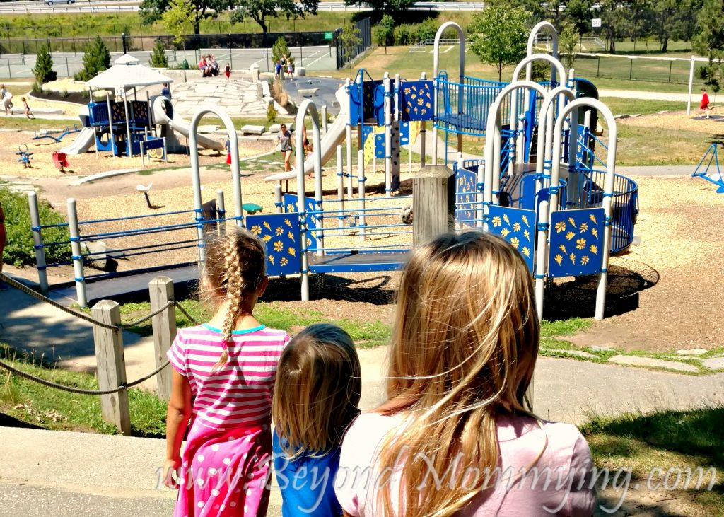 Things to do with kids in Portland, Maine: Deering Oaks Park